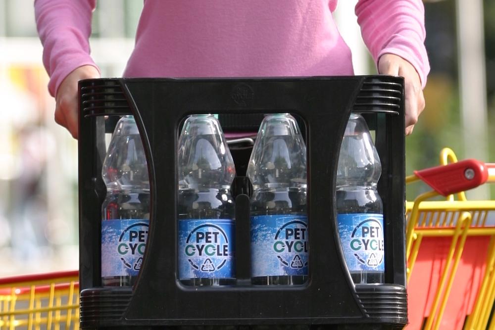 Petcycle Leichte PET Getraenkeflaschen Im Pfandkasten IMG 3907
